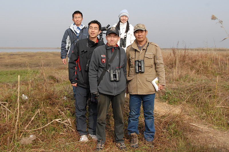 Our small group in Poyang Lake site, behind: Liu Gao, Wang Yi. In front: Liu Ruixing, Steven Tang, Lao Lin our guid